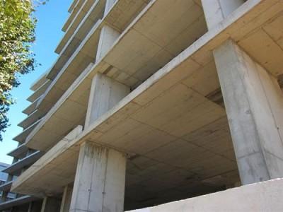El consumo de cemento arranca el año con un desplome del 21,5%